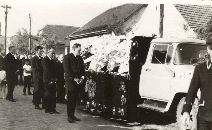 Heinrich Adam, Beerdigung 1973