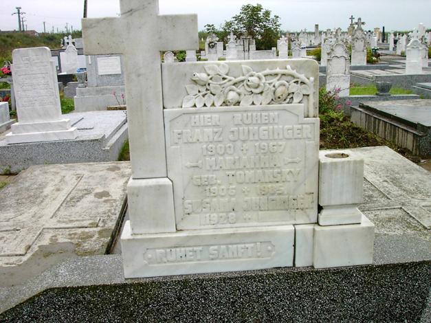 Franz Juninger, Marianna geb. Tomansky