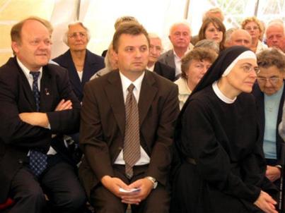 Pfarrer Zillich, Richard Jäger, Priorin Scholastika
