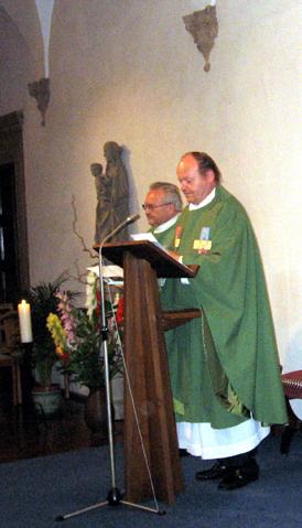 Zelebranten Msgr. Straub und Pfarrer Zillich