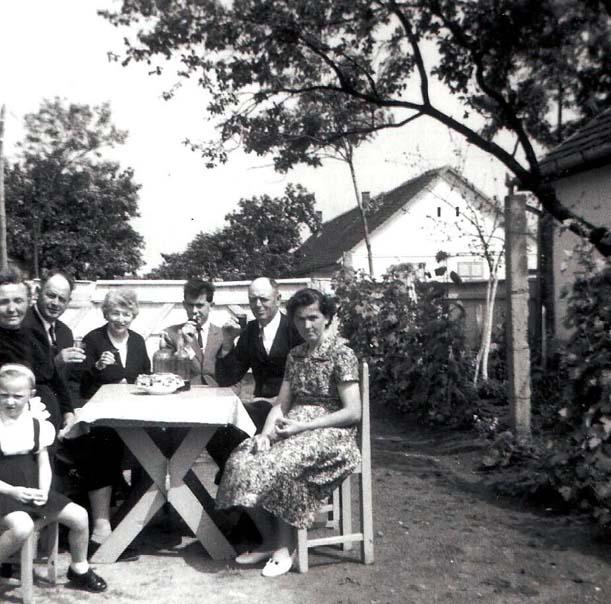 Fam. Barth mit Besuch im Hof