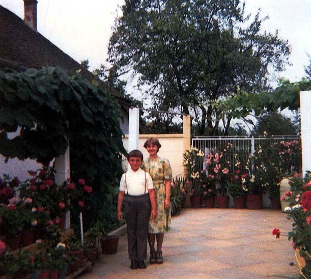 Fredy und Heidi Hügel - im Hintergrund Oleander