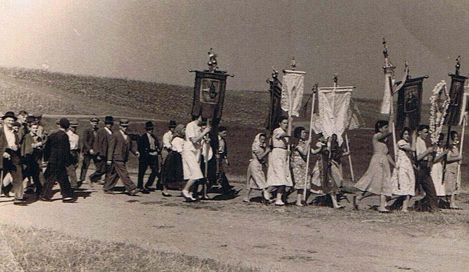 Maria Radna - 1956 - Prozession Fahnenträgerinnen