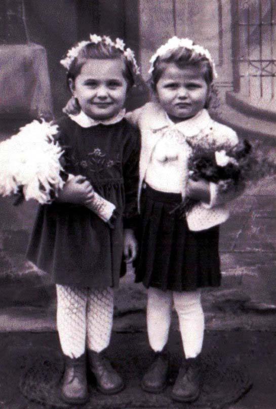 Katharina Kelter geb. Funk und Eva Hajosch geb. Albinger - 1958