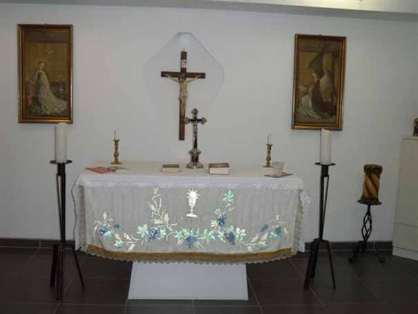 Altar im Seniorenheim, kleine Kapelle
