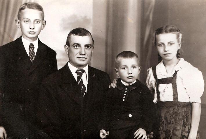 Hans Tassinger mit Josef, Erich und Sussi