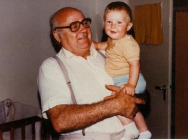 Peter Oberle mit Enkel