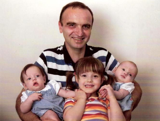 Vaterstolz - Alfred Hügel mit 3 Töchtern