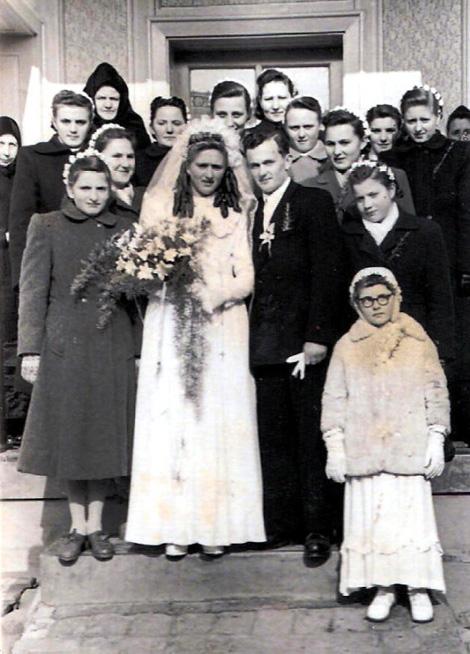 Brautjungfern mit Kranz10