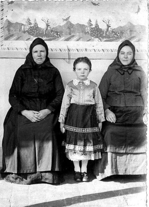 Grossmutter Elisabeth Eichinger, Magdalena Haas und Tochter Leni